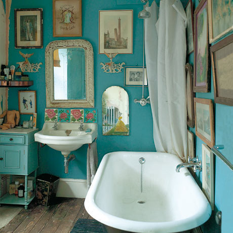 turquoise bathroom belongs to Jo Kornstein