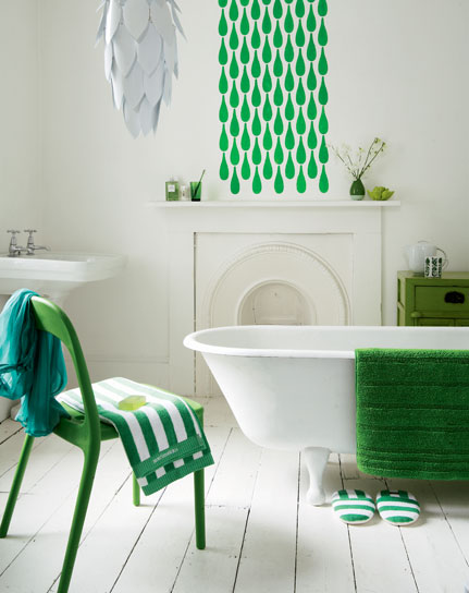 green accents bathroom