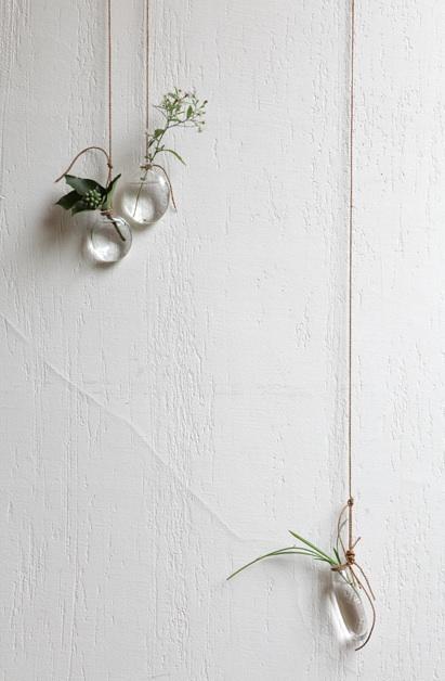 hanging vases analogue life