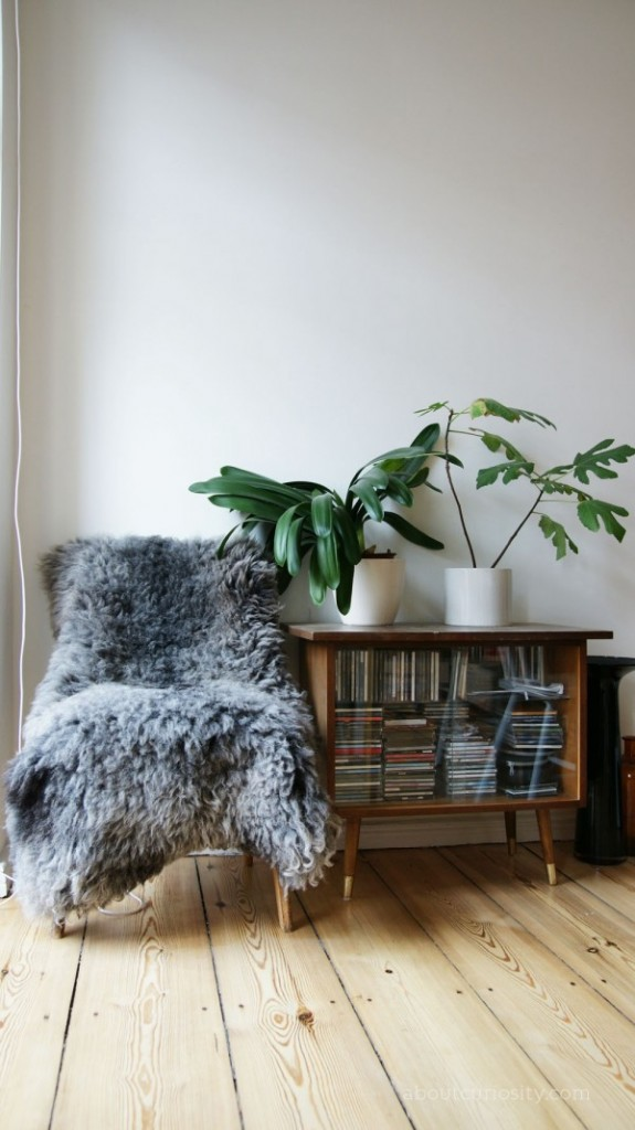 Gorgeous plants in the flat of interior designer ulli zelle via about curiousity