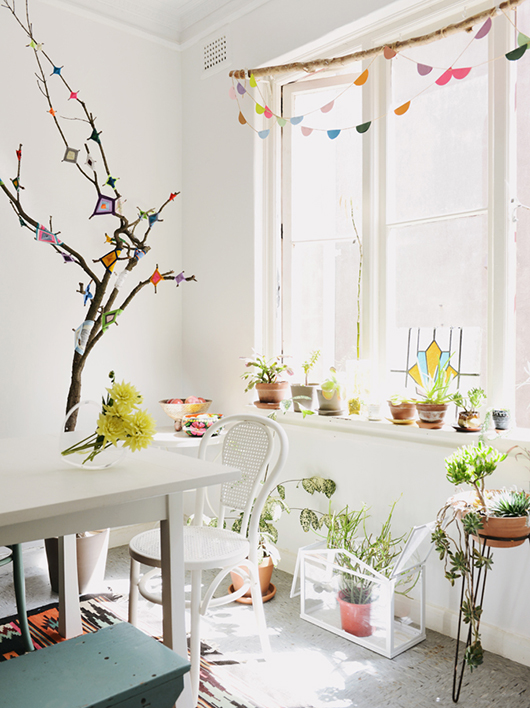 festive plant corner via sfgirlbybay | awakening sacred flow