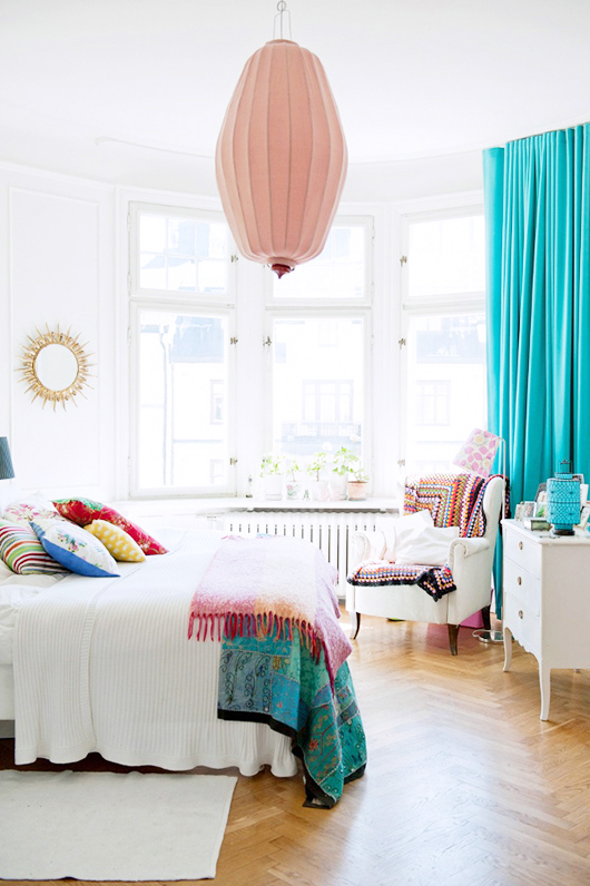 colorful bedroom via sfgirlbybay | awakening sacred flow